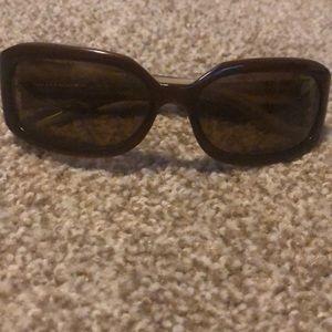 Brown Vera Bradley polarized sunglasses